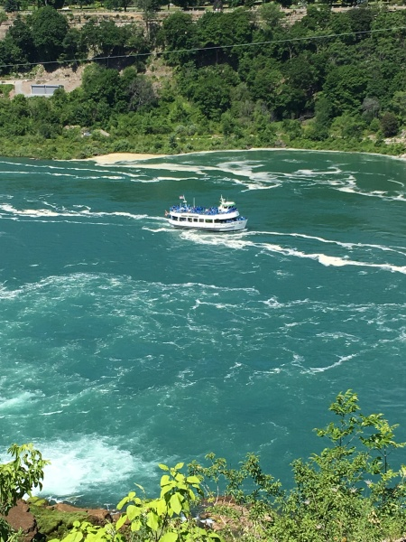 Blue Maid of the Mist returning from the Falls